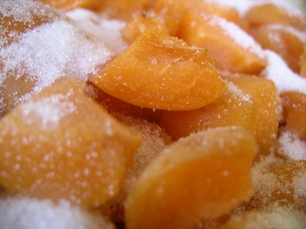 sugared apricots