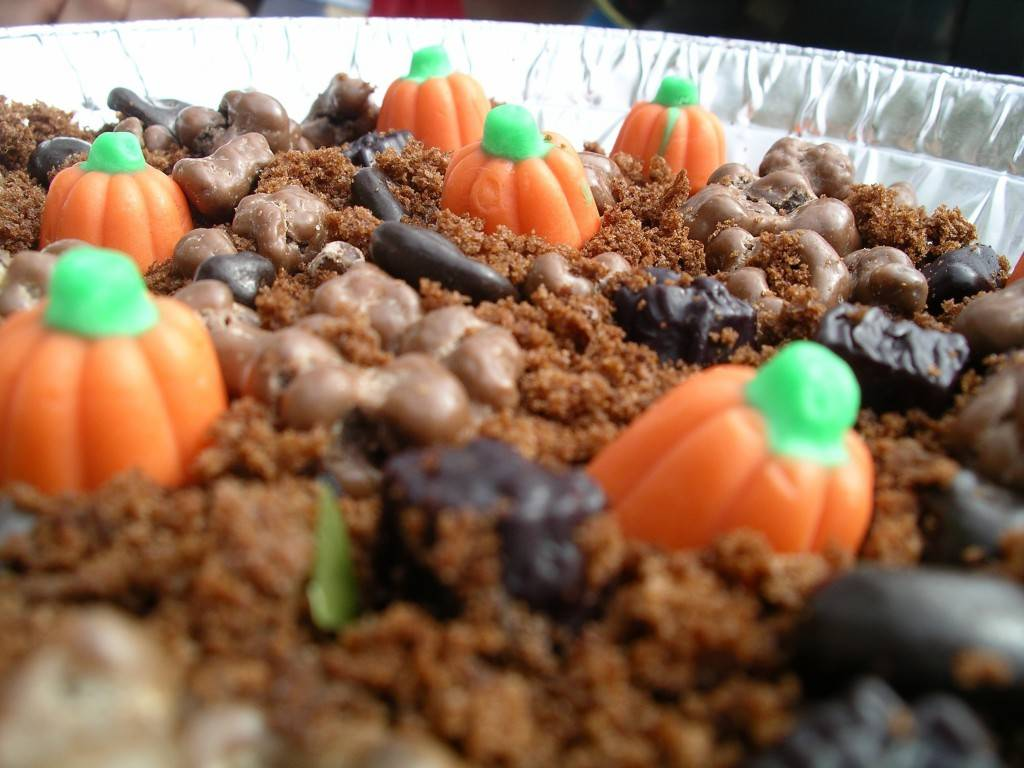 "pumpkin patch cake ""dirt"""