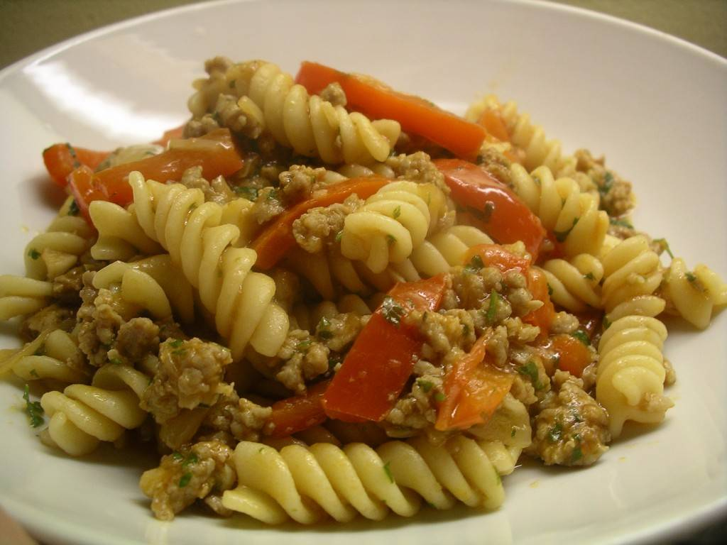 pasta with sausage and peppers