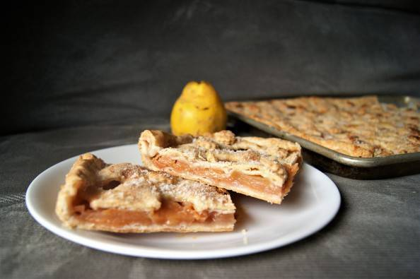 quince slab pie