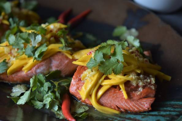 Vietnamese fish with mango and ginger