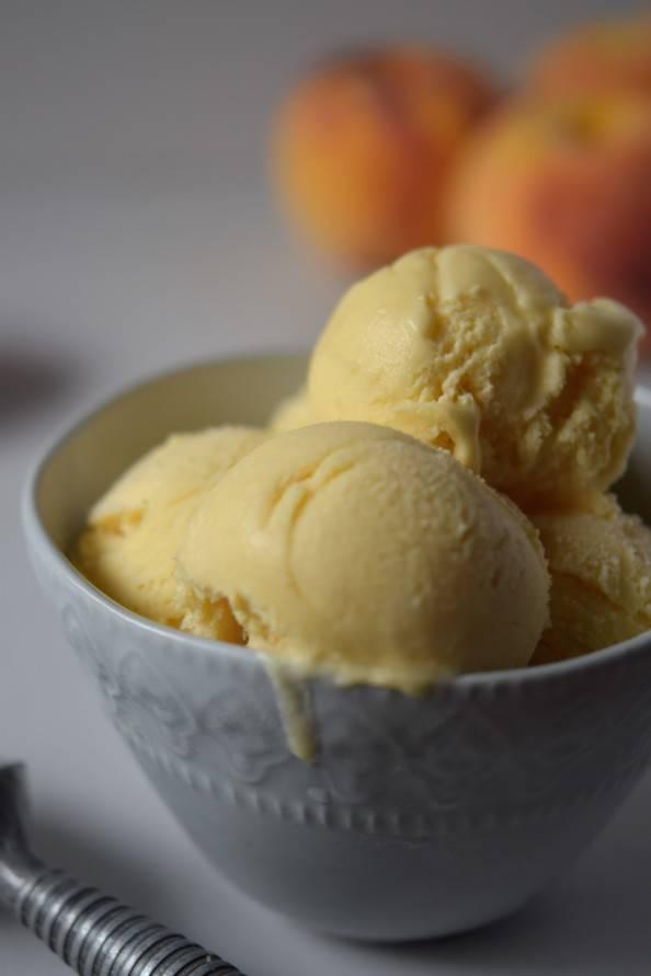 okanagan peach ice cream